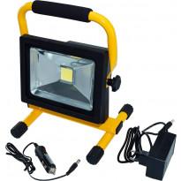 LED-valonheitin ElectroGEAR 20W, IP44, telineillä, ladattava