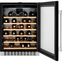 Viinikaappi Electrolux ERW1573AOA, 138l, kalusteisiin asennettava
