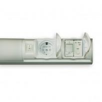 Kylpyhuonevalaisin Euli 2x9W, G23, IP44, 597mm, vikavirtasuojattu valkoinen + 1-osainen pistorasia + kytkin