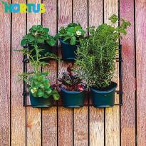 Kasvatusseinä Hortus 6 ruukulla
