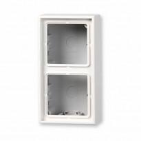 Pintakojerasia Ensto Intro - 2 OS. / 47x81x152mm valkoinen