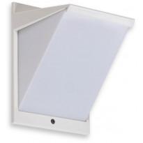 LED-ulkoseinävalaisin Ensto AVR8 eWay, IP44, 9W/830, valkoinen, polykarbonaattikuvulla